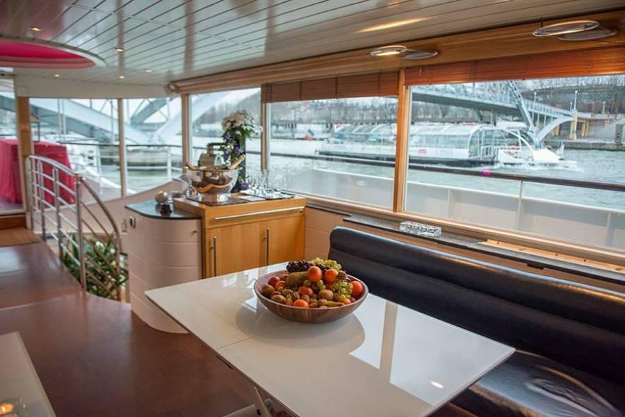 Le Yacht Joséphine